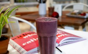Smoothie in a restaurant for a refrigerated van driver
