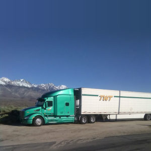 New Kenworth T680 Reefer by Mountains